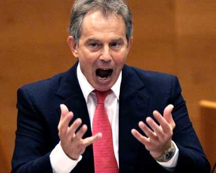 <i>Der Spiegel</i>'s photo of Tony Blair speaking to EU Parliament
