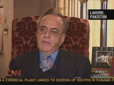 Pakistan Foreign minister Khurshid Kasuri <font face=Arial size=-2>(Source: CNN)</font>