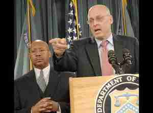 Treasury Secretary Henry Paulson (right) and secretary of housing Alphonso Jackson <font face=Arial size=-2>(Source: Bloomberg)</font>