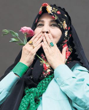 Zahra Rahnavard, wife of Mousavi <font face=Arial size=-2>(Source: Independent)</font>