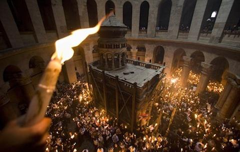 Holy Fire ceremony at the Church of the Holy Sepulcher in Jerusalem, at midnight today <font face=Arial size=-2>(Source: VOA)</font>
