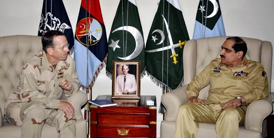 Adm. Mike Mullen meets with Pakistan�s Chairman Joint Chiefs of Staff Committee General Khalid Shameem Wynne (Dawn)