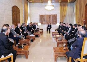 Assad meets with artists (Sana)