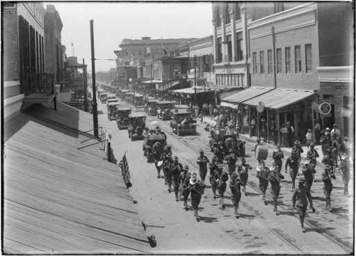 Brownsville, Texas, Decoration Day parade, 1917 (Robert Runyon #01326)