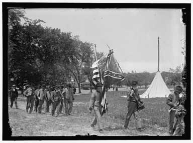 Confederate Reunion. North Carolina Veterans With Flags, 1917 (Harris & Ewing, LC-DIG-hec-08837)