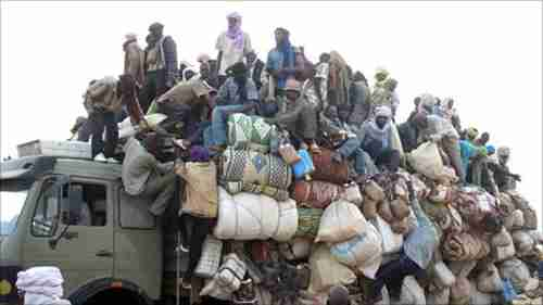 Truck carrying migrants fleeing Libya for Niger (BBC)