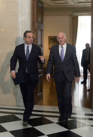 Antonis Samaras (L) and George Papandreou (ANA)