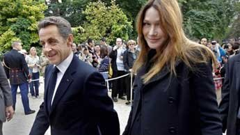 Pregnant Carla Bruni accompanied by Nicolas Sarkozy