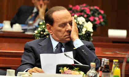 Silvio Berlusconi's coalition government in Italy near collapse (AFP)