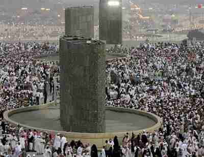 Millions of Muslim pilgrims stone the devil in the hajj