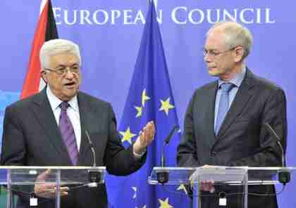 Abbas and EU Council president Herman Van Rompuy (AFP)