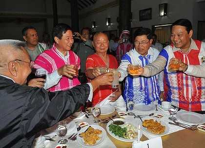 Burma's government and senior members of the Karen National Union on Thursday (AFP)