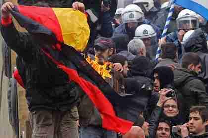Greek protesters burning German flag last week (DPA)