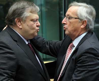 Greek finance minister Evangelos Venizelos and Eurogroup chairman Jean-Claude Juncker (Kathimerini)