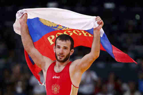 Freestyle wrestling gold medal winner Jamal Otarsultanov (geo.tv)