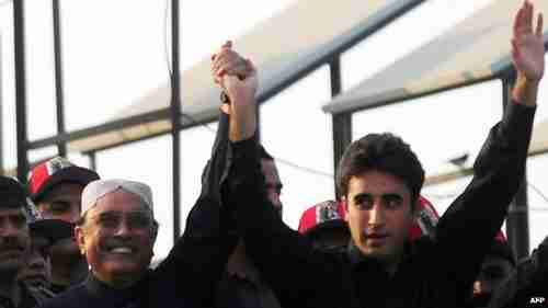 Bilawal Bhutto Zardari (R) with his father, President Asif Ali Zardari of Pakistan (BBC)