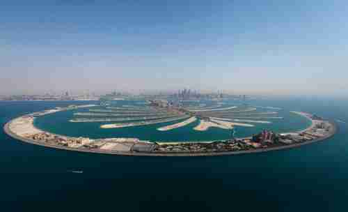 Palm Island project in Dubai. These islands were created with some 385 million tons of sand. (Spiegel)