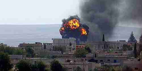 An explosion in Kobani, Syria, on Friday (Cihan)