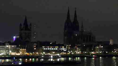 Cologne Cathedral lights turned off in protest of Pegida rallies