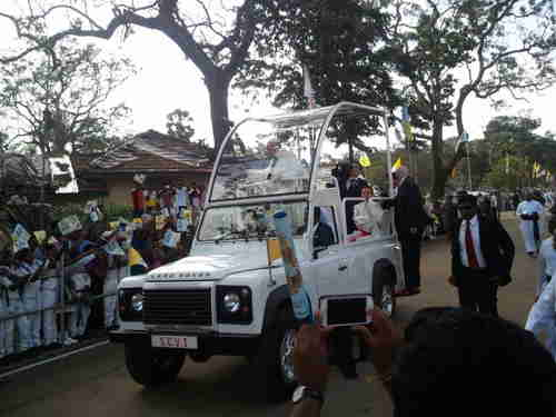 Pope Francis, visiting a Catholic shrine in Madu, Sri Lanka (TamilNet)