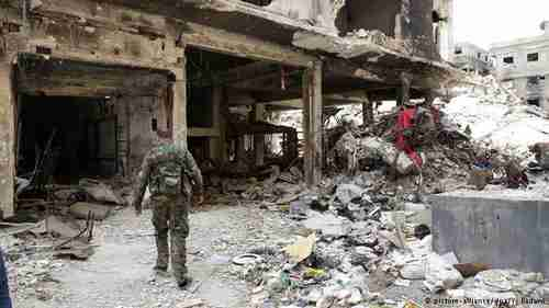 Scene of destruction in Yarmouk refugee camp (dpa)