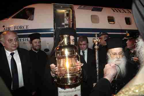 The Holy Fire from Jerusalem arrives in Athens on Saturday evening