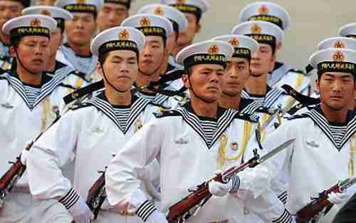 Members of the Chinese Navy honor guard (Getty)