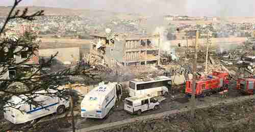 Aftermath of truck bomb explosion in southeastern Turkey on Friday (DHA)
