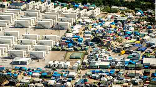 Aerial view of 'The Jungle' refugee camp in Calais France (CNN)