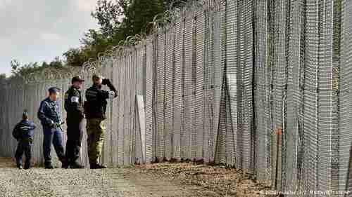 Hungary border protection (AP)