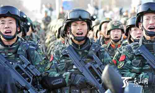 Thousands of armed police, public security officers and militia fight terrorism in the city of Hotan in Xinjiang province last week on Thursday (Global Times)