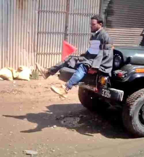 Indian security forces tie Kashmiri man to jeep to discourage rock throwing by separatists