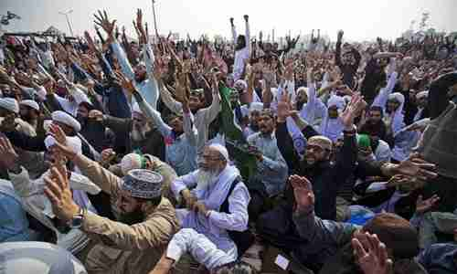 Hardline Islamist sit-in in Islamabad last week (Pakistan Today)