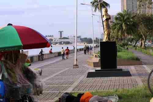 Unauthorized comfort woman statue on Roxas Boulevard in Manila, the Philippines (Japan Forward)