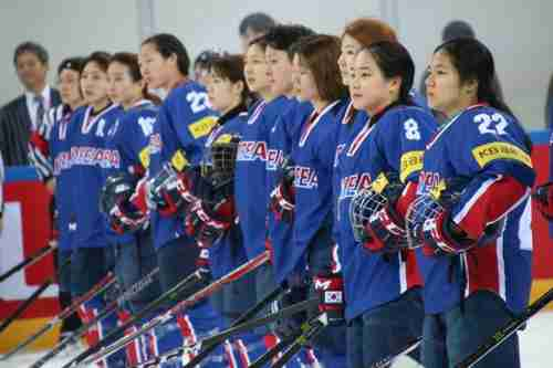 The South Korean women`s ice hockey team may play with the North Korean team (Yonhap)