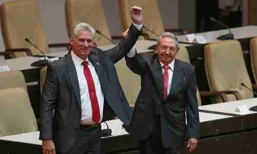 New president Miguel D�az-Canel (L) and former president Ra�l Castro (EPA)