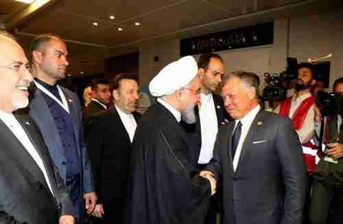 Jordan's King Abdullah shakes hands with Iran's president Hassan Rouhani at last month's OIC meeting in Istanbul (hala.jo)