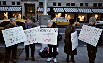 Grannies Against the War <font size=-2>(Source: grandmothersforpeace.org)</font>