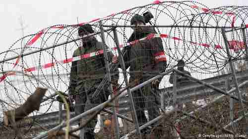 Razor wire installed by Austria on its border (AFP)