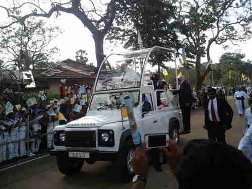Pope Francis, visiting a Catholic shrine in Madu, Sri Lanka (TamilNet)
